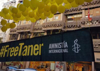 Pancarta flotante con globos de helio